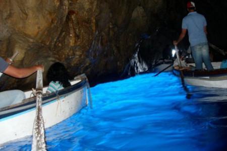La Gruta Azul, caverna secreta en la isla de Capri