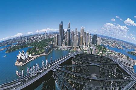 Escala el famoso puente de Sidney