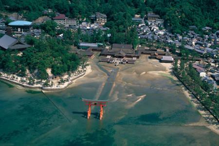 Itsukushima, un santuario sobre el agua