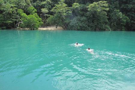La Laguna Azul, en Jamaica