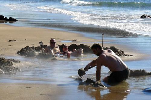 playa-agua-caliente