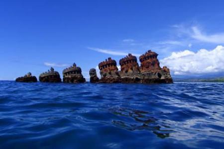 Bucear entre pecios en las islas Salomón, en Oceanía