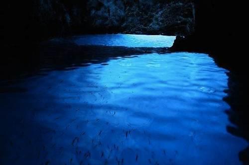 blue-cave-modra-spilja