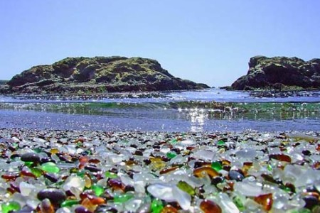 Glass Beach, una playa de vidrio y cristal